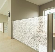 Láminas adhesivas para decoración, mobiliario y paredes